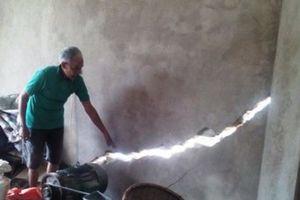 Thanh Hóa: Hàng trăm nhà dân bị lún, nứt mòn mỏi chờ đền bù