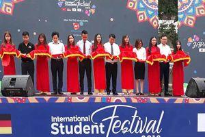 Sôi nổi các hoạt động tại Festival sinh viên Hà Nội