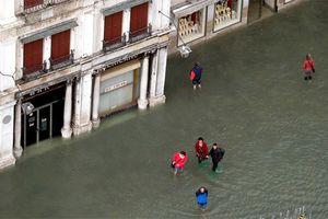 Triều cường tấn công Venice
