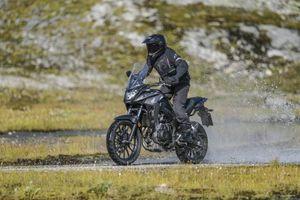 Môtô địa hình Honda CB500X 2019 nâng cấp mạnh mẽ