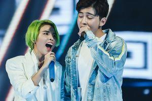 Vũ Cát Tường song ca hot boy Malaysia trong concert hoành tráng