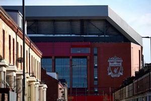 Tỉ phú người Mỹ rao bán Liverpool 1,5 tỉ bảng?