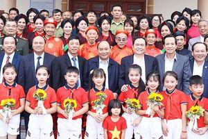 Thủ tướng Nguyễn Xuân Phúc dự Ngày hội Đại đoàn kết toàn dân tộc tại Bắc Giang