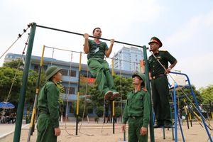 Học viện Kỹ thuật Quân sự coi trọng huấn luyện thể lực cho học viên