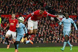 Man City - Man United: Quá tam ba bận