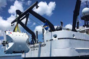 Chiếc tàu ngầm này sẽ đưa bạn xuống nơi sâu nhất của đại dương!