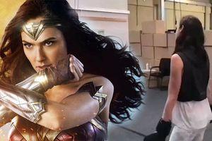 Gal Gadot 'sung sức' trên sàn tập cho vai diễn Wonder Woman
