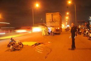 Xe đầu kéo va chạm xe máy trên cầu Đồng Nai, 1 người chết tại chỗ