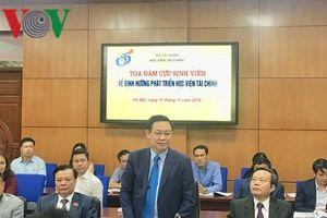 PTT Vương Đình Huệ dự Tọa đàm cựu sinh viên của Học viện Tài chính