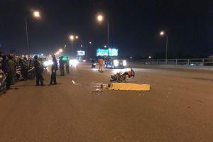 Va chạm với container trên cầu Đồng Nai, 2 thanh niên chết thảm