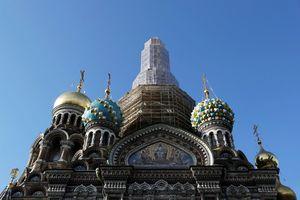 Nga xây nhà thờ quân đội với màu sơn của xe bọc thép