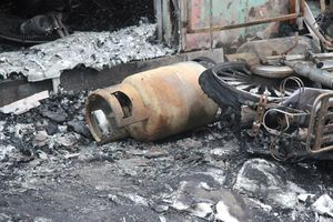 2 người bị bỏng sau tiếng nổ lớn trong căn nhà 4 tầng
