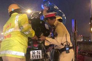 Hà Nội: CSGT xử lý 'xe ôm' hoạt động trên đường cao tốc