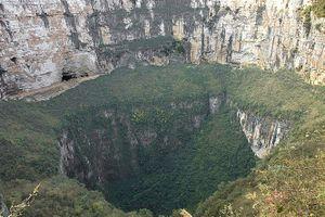 Trung Quốc phát hiện hang động có quy mô lớn nhất thế giới