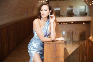 Siêu mẫu Phương Mai đọ vẻ nóng bỏng bên Hoa hậu Đỗ Mỹ Linh