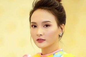 Bảo Thanh rạng rỡ chấm thi Người mẫu Quý bà Việt Nam 2018