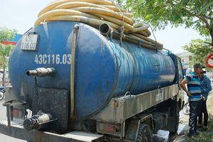 Đổ chất thải xuống cống, tài xế bị phạt 123 triệu đồng