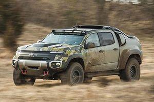 GM 'nhá hàng' bán tải quân sự Chevrolet Silverado ZH2