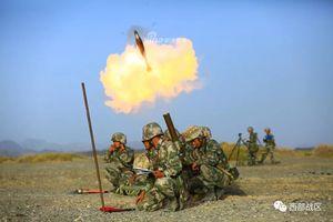 Không tiếc đạn, pháo binh Trung Quốc dội bão lửa xuống sa mạc Gobi