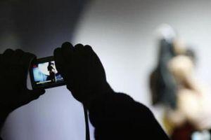 Người phụ nữ bị bạn trai cũ dọa tung clip 'nóng' để tống tiền