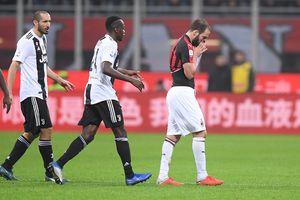 Higuain nhận thẻ đỏ, Juventus giành chiến thắng trên sân AC Milan