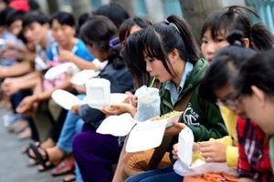 Chuyên gia cảnh báo về tác hại hộp xốp đựng thức ăn