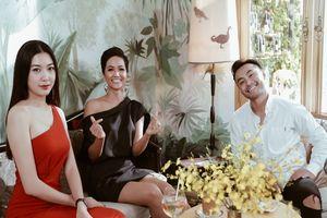 Á hậu Thúy Vân 'mách nước' cho H'Hen Niê những bí quyết để chinh chiến Miss Universe 2018