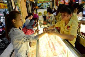 Giá vàng hôm nay 12/11: Đồng USD gia tăng sức ép, giá vàng thui chột