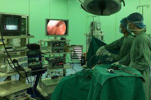 Bụng to bất thường, người phụ nữ phát hiện khối u 3kg ở ruột non