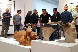 Đại học Kiến trúc Hà Nội: Triển lãm mỹ thuật chào mừng ngày 20/11