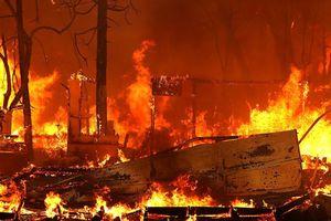 Hàng chục người thiệt mạng trong đại hỏa hoạn như ngày tận thế ở California