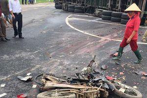 Hà Nội: Xe container đè lên xe máy, 2 người tử vong, 2 người bất tỉnh