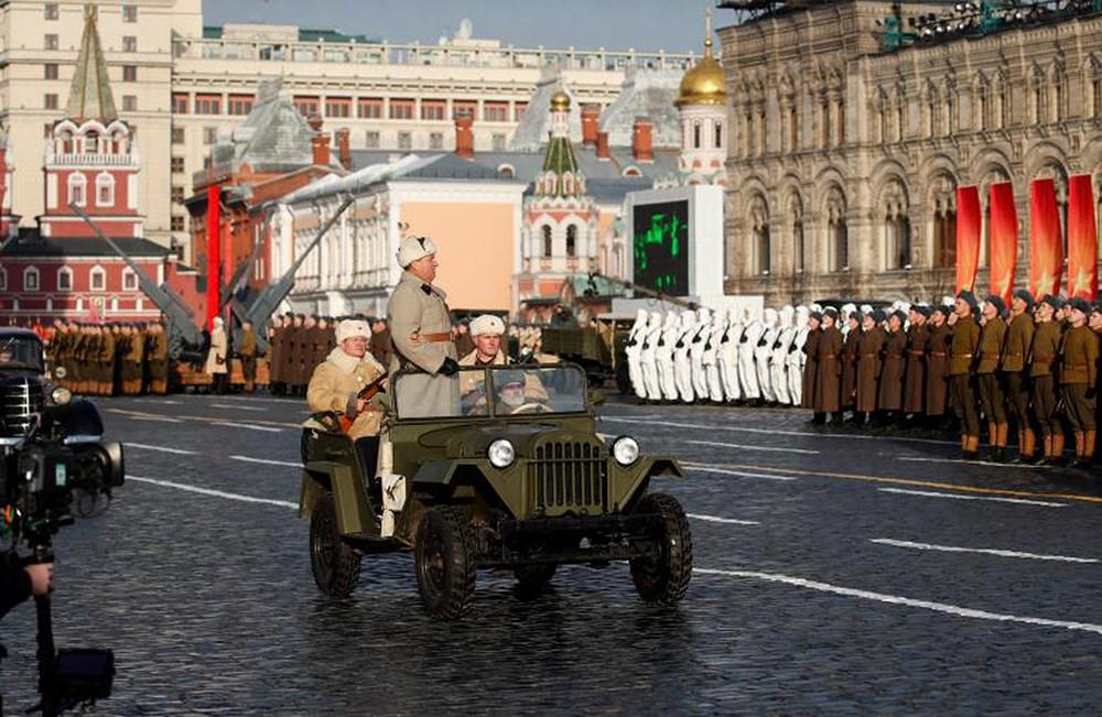 Thế giới tuần qua: Nga tái hiện cuộc duyệt binh huyền thoại năm 1941