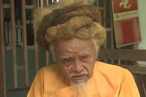 'Dị nhân' miền Tây 70 năm không cắt tóc gội đầu