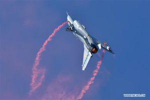 Chuyên gia Anh nghi ngờ tính hiệu quả của tiêm kích J-10B do Trung Quốc sản xuất