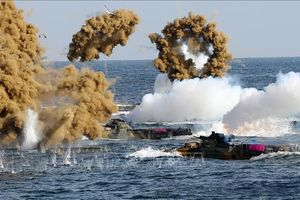 Mặc Triều Tiên cáo buộc vi phạm, Hàn Quốc vẫn quyết tập trận chung trên biển với Mỹ