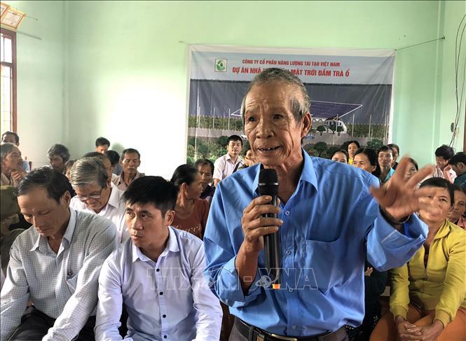 Hàng trăm người tiếp tục dựng lán trại phản đối dự án điện mặt trời ở Bình Định
