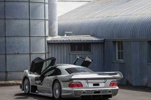 Cận cảnh siêu xe Mercedes-Benz AMG CLK GTR đời 1998