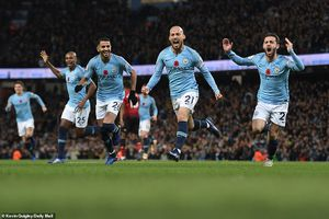 Man City 3 - 1 Man United: Phủ xanh thành Manchester