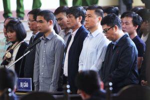 Hình ảnh xét xử cựu Trung tướng Phan Văn Vĩnh và vụ án 'đánh bạc nghìn tỷ'