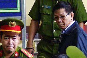 Xử sơ thẩm vụ án đánh bạc nghìn tỉ ở Phú Thọ: Ông Phan Văn Vĩnh bất ngờ 2 lần khai nhầm trước tòa