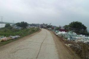 Hà Nội: Người dân đốt rác thải công nghiệp 'bức tử' sông Cà Lồ