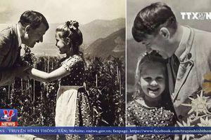 Đấu giá bức ảnh về Hitle và bé gái Do Thái