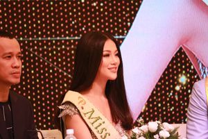 Phương Khánh tránh né khi bị hỏi về chuyện quấy rối tình dục tại Miss Earth 2018