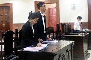 Bà Lê Hoàng Diệp Thảo phải trả con dấu cho công ty Trung Nguyên
