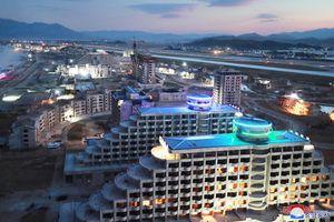 Ông Kim Jong-un thị sát dự án khu du lịch hoành tráng ven biển