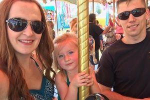 Bố hát để trấn an con gái 3 tuổi vượt qua biển lửa ở California, Mỹ