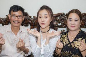 'Quỳnh búp bê' khoe giọng hát hay không kém Hương Tràm