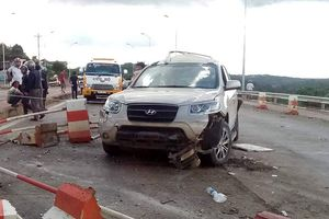 Thực hư tài xế nhảy khỏi xe, bỏ mặc hành khách sau khi 'ủi bay' ô tô ở Lâm Đồng