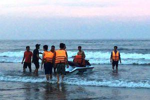 Nghệ An: Phát hiện thi thể cô gái 20 tuổi nằm bên bờ biển vào sáng sớm